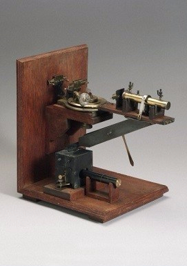 L0059138 Bragg X-ray spectrometer