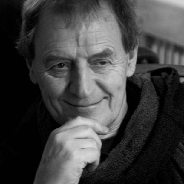 Photograph of Tony Harrison